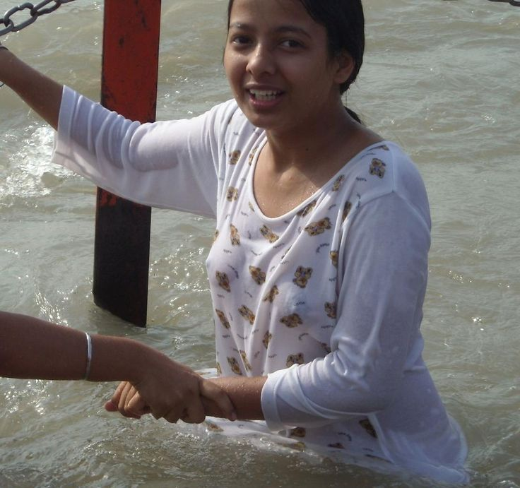 hot desi girl naked water - Page College girlz VS Cute young Wives Pics n Vids (glamour)