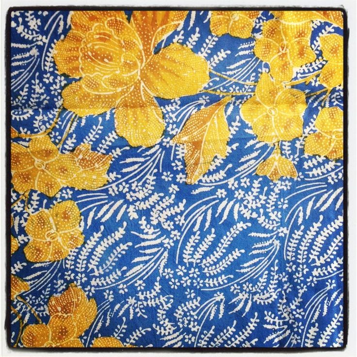Batik Pekalongan courtesy @tikshirtdesign