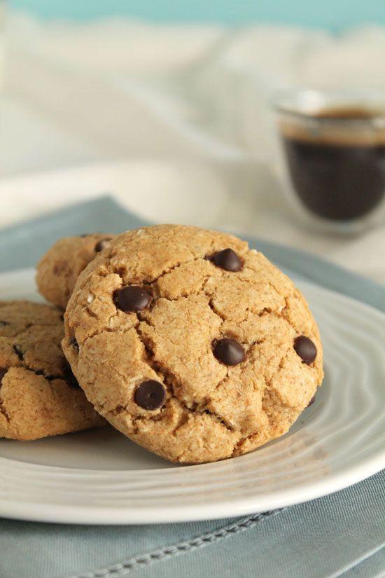Μπισκότα με εσπρέσο, καρύδα και σταγόνες σοκολάτας