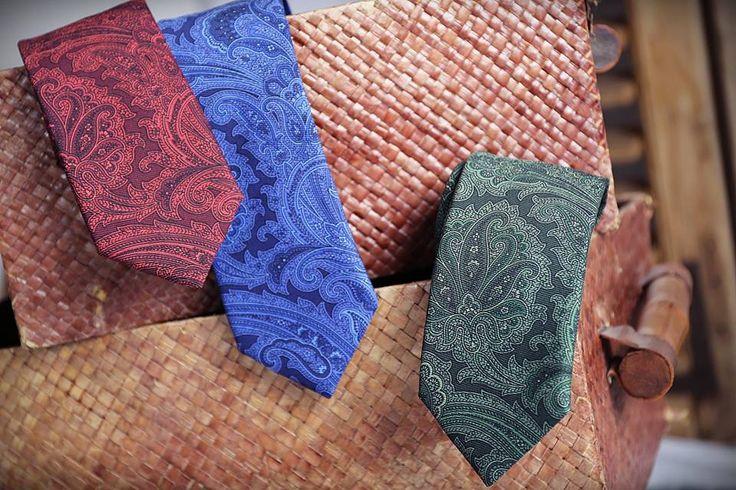 Corbatas seda paisley #roja #azul #verde #paisley #corbata #hombre #moda #looks #knackmen