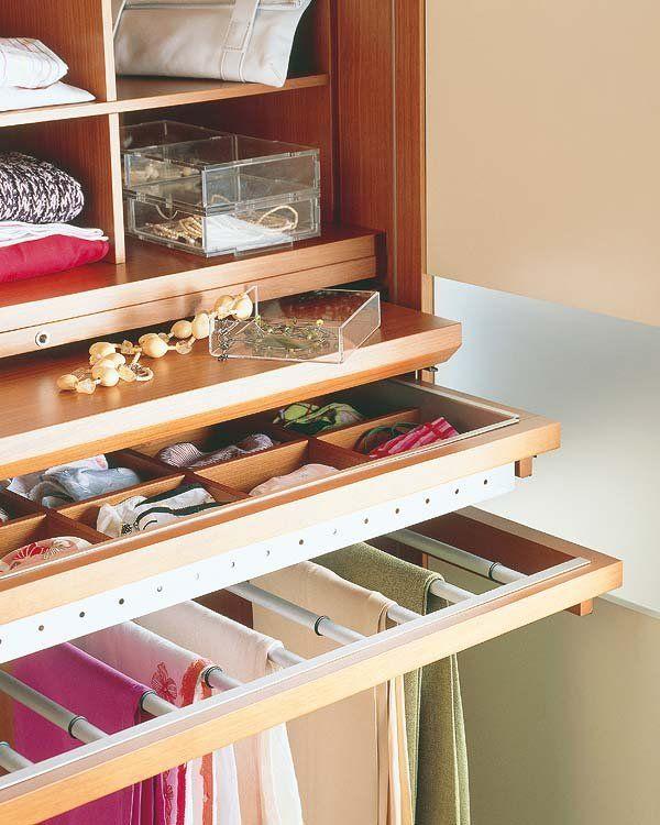 Cómo organizar el interior de un armario  For pants