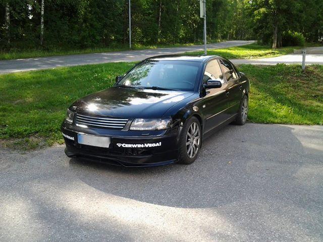 Marko Häkkisen Vw Passat V6 4motion 3B vm. 2001 on maalattu Automaalit.netin Super Black -paketin tuotteilla.