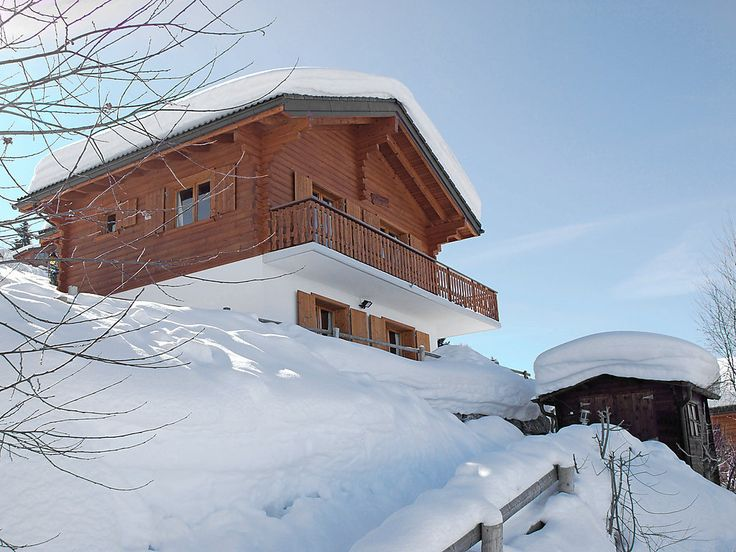 """Maigold - Chalet - NENDAZ - Switzerland - 1088 CHF """"Maigold"""", 4-room chalet 100 m2 on 2 levels. Living/dining room with Scandinavian wood stove, satellite TV, radio, CD-player and DVD. Exit to the balcony. Open kitchen (oven, dishwasher, microwave). S"""