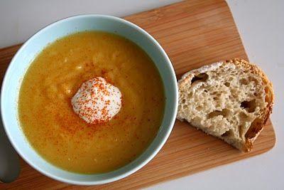 http://www.matpaabordet.no/2011/09/butternut-squash-suppe-med-peanottsmor/