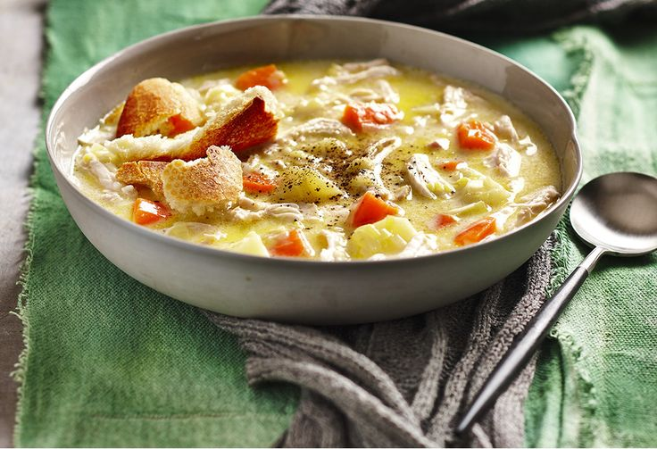 There's nothing better than a warm soup when the weather gets chilly. With chicken & bread pieces, leek, carrot & potatoes, this is one delicious winter warmer.