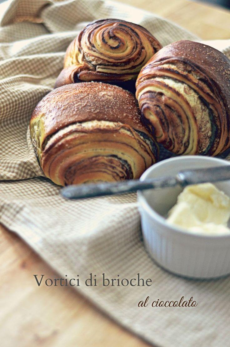 http://lapanciadellupo.blogspot.it/2014/05/vortici-di-brioche-al-cioccolato.html