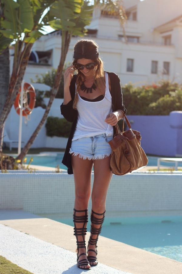 cutoffs, simple tank and gladiator sandals <3