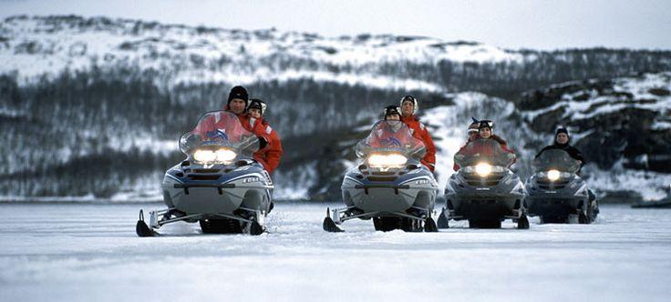 Die besten 25 kirkenes ideen auf pinterest norwegen for Kirkenes snow hotel gamme cabins