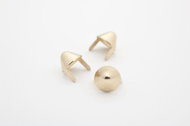 stud - Cones Standard English77 Golden  ☆ Bag of 100 - $4.22 ☆ Bag of 500 - $20.10 ☆ Bag of 1000 - $37.08