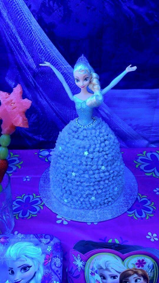 Frozen Party - elsa cake that sings