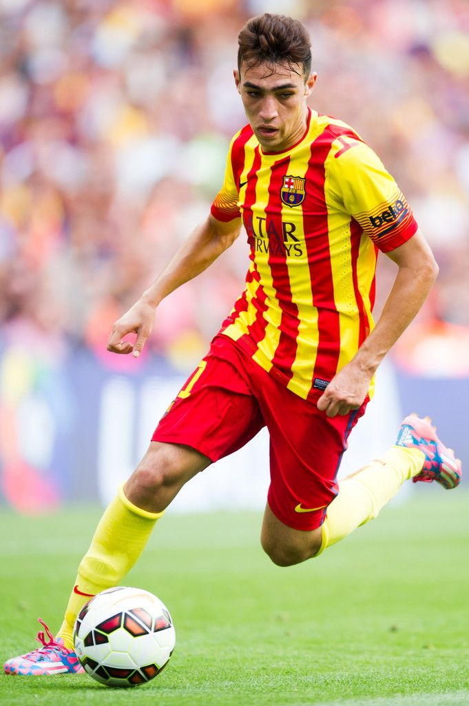 Munir El Haddadi of FC Barcelona runs with the ball during the La Liga match between FC Barcelona and Athletic Club at Camp Nou on September 13, 2014 in Barcelona, Catalonia.