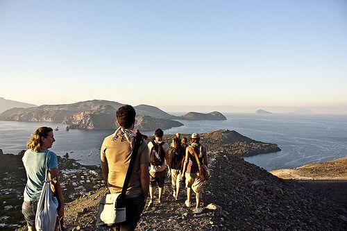 Panorama sull'Arcipelago dal Cratere di #Vulcano - #eolietour13 #trekking #eolie #sicilia #sicily #tour http://www.imperatoreblog.it/2013/09/06/eolie-blog-tour-2013/
