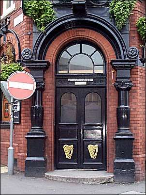 A strong inviting substantial front door is required. & 23 best Irish Pub inspiration images on Pinterest | Arquitetura ...