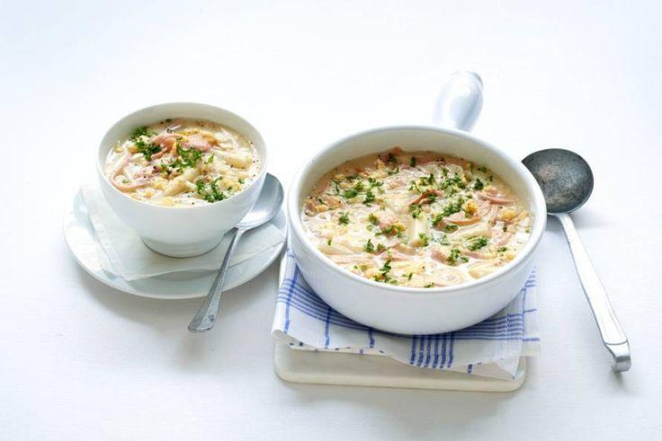 22 april - Witte asperges in de bonus - Limburgs recept: soep van witte asperges met ham en ei - Recept - Allerhande