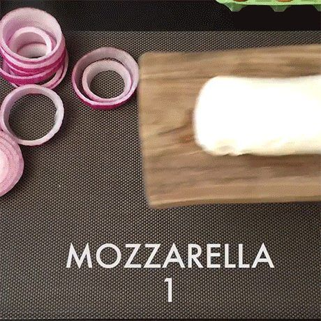 Anelli di cipolla e mozzarella in pastella - GIF on Imgur