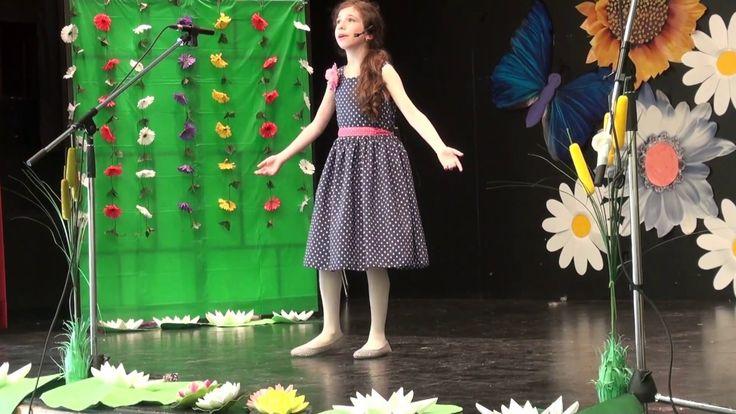 Grace performing 'Memory'