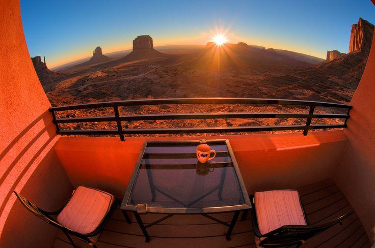 モニュメントバレーの絶景を心ゆくまで堪能する! ザ・ビュー・ホテル | TapTrip