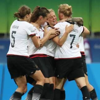 unsere Fußballfrauen im Halbfinale- 1:0 gegen China