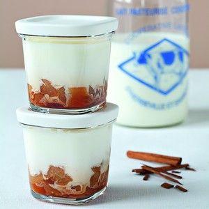 Crème à la vanille sur lit de pommes façon tatin à la yaourtière