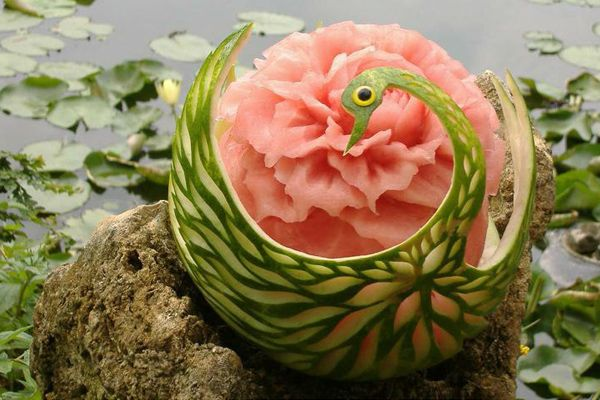 Outstanding fruit carvings antsmagazine food