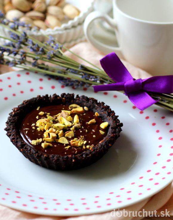 Tartaletky s čokoládou a pistáciami
