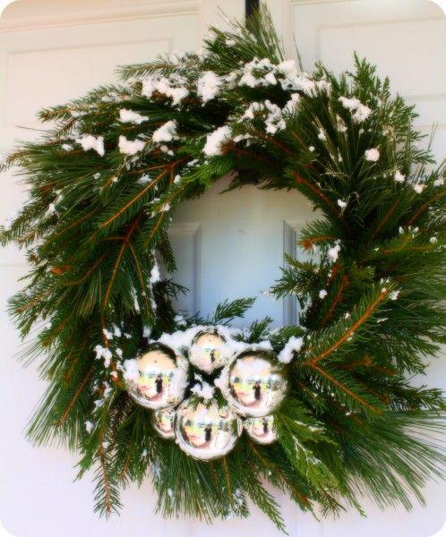 handmade-snow-wreath: Christmas Wreaths, Decor Ideas, Evergreen Wreaths, Christmas Evergreen, Holidays Decor, Wreaths Ideas, Simple Wreaths, Christmas Decor, Christmas Trees