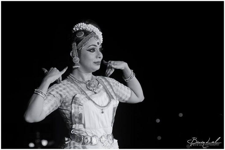 photo from onam celebration 2017 (kerala tourism department presents) at vyloppilly samskrithi bhavan. Thiruvananthapuram. Kerala Photo Credit: Bivin lal.  #kalamandalamdhanushasanyal #kalamandalam #dhanushasanyal #kerala #mohiniyattam #pinterest#onam #dancefestival #thiruvanathapuram