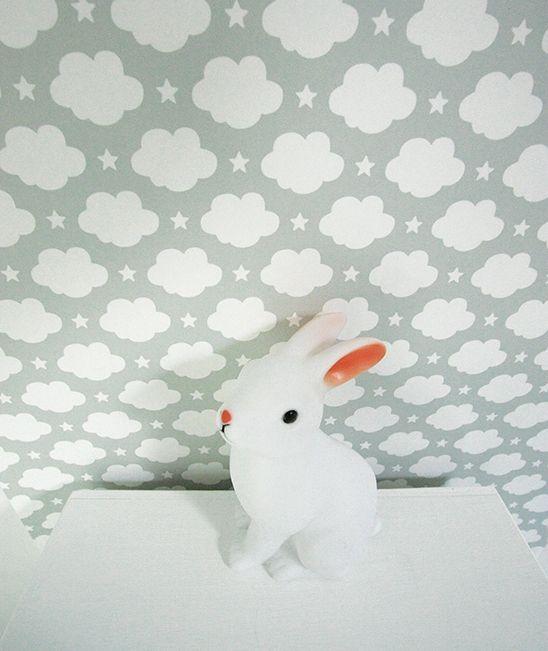 Décoration chambre enfant : Lé de papier peint intissé,nuages & étoiles (blanc)