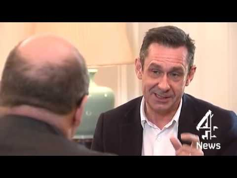 (Βίντεο) Η συνέντευξη που πήρε ο Πολ Μέισον (βλέπε: http://www.diavlosbooks.gr/product/435/o-kosmos-se-eksegersi-) από τον αναπληρωτή υπουργό Οικονομικών της Γερμανίας, Στέφεν Κάμπετερ. Ο δημοσιογράφος και συγγραφέας του Ο ΚΟΣΜΟΣ ΣΕ ΕΞΕΓΕΡΣΗ από τις Εκδόσεις Δίαυλος, μέσω των ερωτήσεών του, άσκησε κριτική στον τρόπο με τον οποίο η Γερμανία αντιμετωπίζει το θέμα της Ελλάδας.