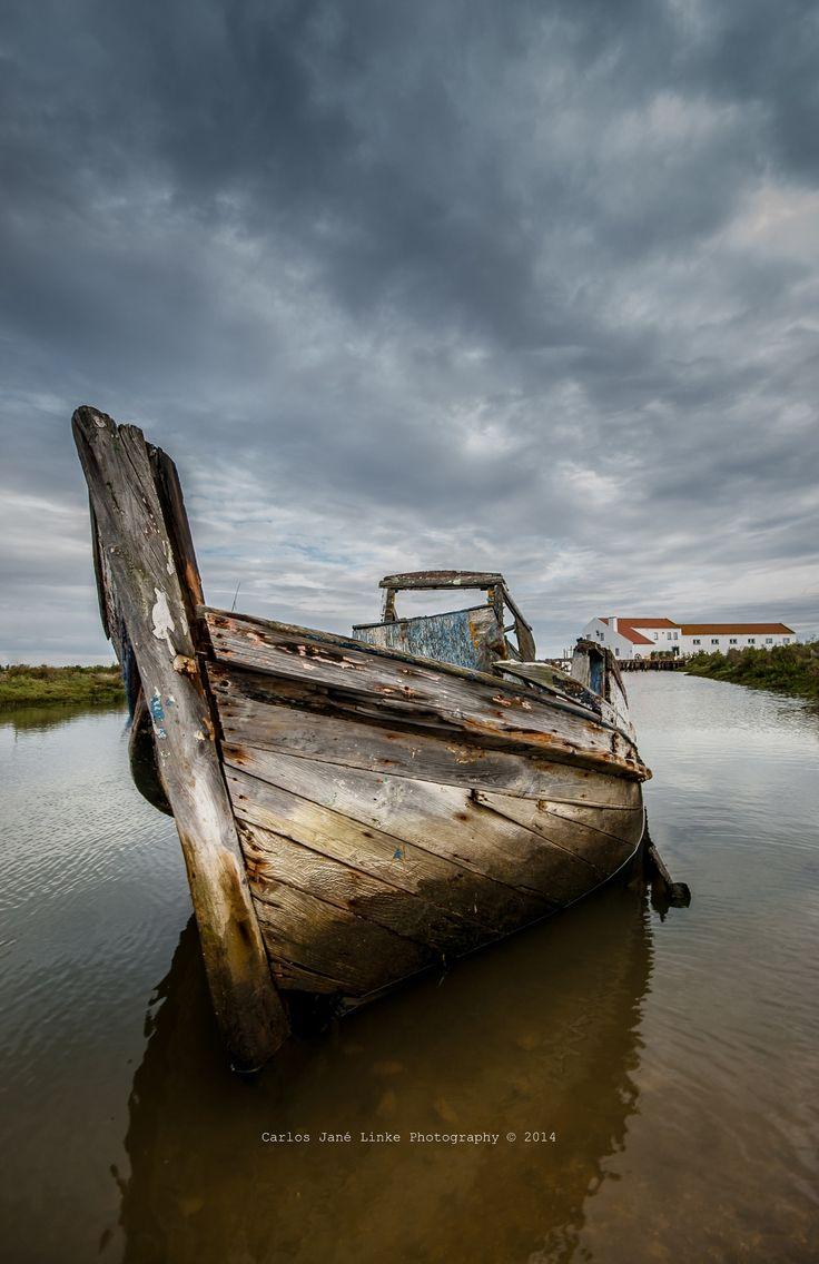 Old Boat by Carlos Linke on 500px