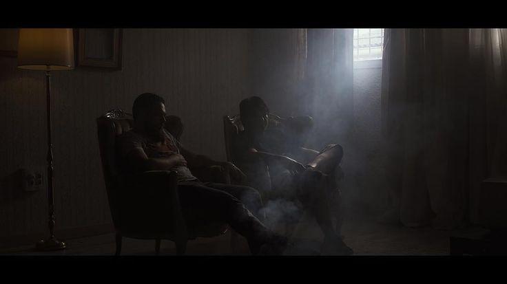 Ya está Online el nuevo trailer de @peliagudos_ donde os enseñamos un poco el plató y la sintonía!! En nuestro http://ift.tt/2uj7WnR y tenéis el Link en la BIO!! Dadle amor comentarios y compartir mucho que eso os sube el karma.   #peliculas #pelis #cine #film #filmmaking #series #tv #youtube #video #vscocam