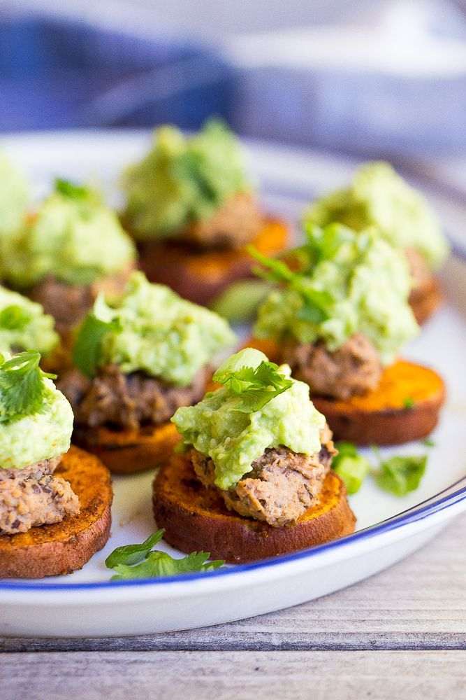 These Roasted Sweet Potato Bites with Black Bean Hummus & Guacamole are such great appetizers! {gluten free, vegan}