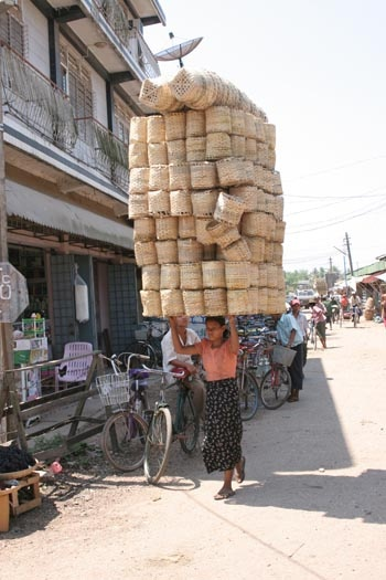 Recipe for a massive #painintheneck - taken in Pathein, Myanmar (Burma).