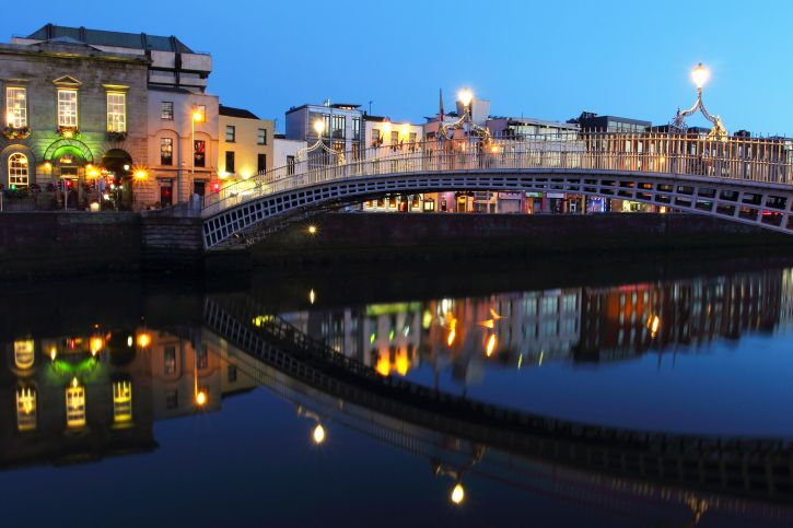 Dublin Nightlife: The Irish have a reputation for partying hardy, so it would seem Dublin nightlife would be a natural part of the city attractions.
