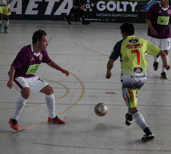 Con gran intensidad se vivió el clásico capitalino entre #LanúsColombia y #CóndorFC. Al final triunfo para el conjunto granate 2-1. #FútbolRevolucionado #Futsal