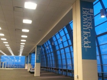 Removable/Reusable Event Signage on Convention Center Pillars