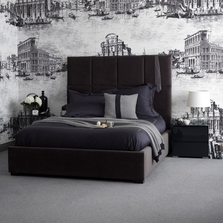 Feather & Black bed, like the colors