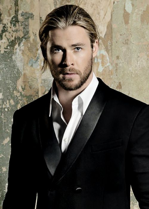 Chris Hemsworth - Cabe...