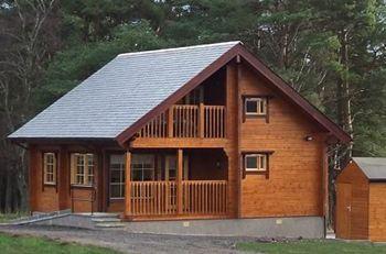 Red squirrel Log Cabin - Banffshire,