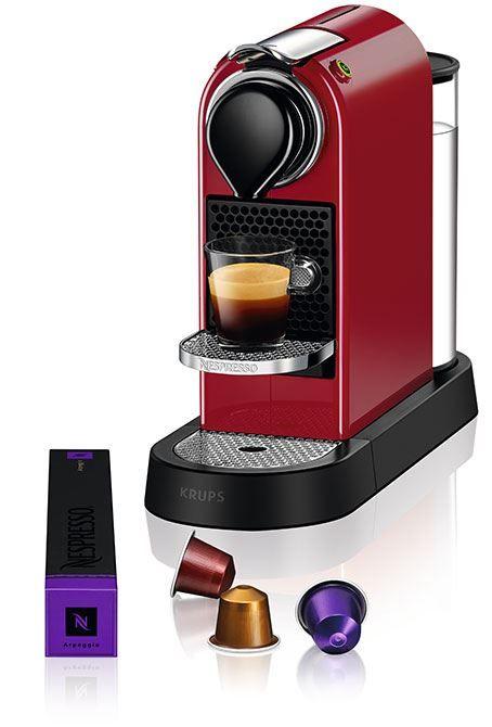 Nespresso Krups CitiZ Cherry Red  Nespresso Krups CitiZ Cherry Red Met de Nespresso Krups CitiZ Cherry Red heb je een echte eyecatcher in huis!Deze Nespresso machine past in iedere keuken dankzij zijn compacte ontwerp. Daarnaast valt hij lekker op door de prachtige hippe kleur. Ben jij klaar voor een moderne koffiemachine? Dan heb je met de Nespresso Krups CitiZ Cherry Red de juiste machine op het oog!Praktisch in gebruik door middel van de Grands Crus en het verstelbare kopjesrooster.En ook…