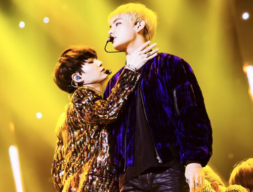 My number one and my number two in the same pic together, this is definitely my favorite Parton the dance Suga looks so cool here