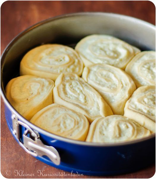 Kleiner Kuriositätenladen: Puddingstreuselschneckenkuchen