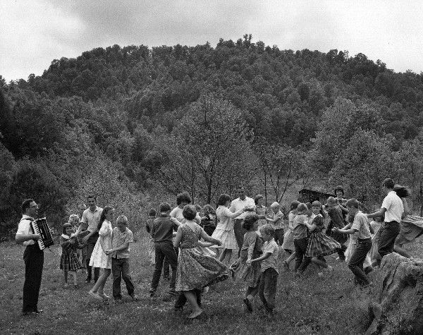 traditional appalachia Appalachia was america's first frontier the pioneers brought their folkways and  music from the old country mountain life was isolated and traditional culture was .