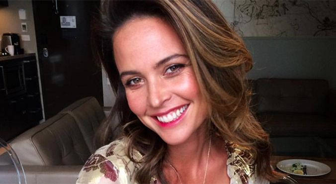 Beauty insider Josie Maran shares her secrets about argan oil with The Glow.