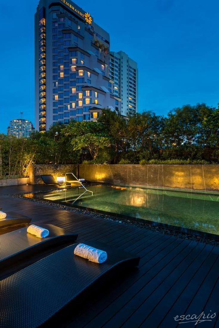 Plunge pool on the rooftop - Maitria Hotel Sukhumvit 18 in Bangkok, Thailand