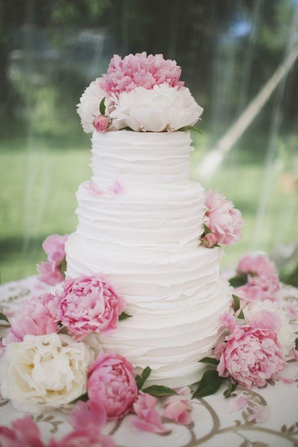 pink peony wedding cake - simple & beautiful! Dream wedding cake