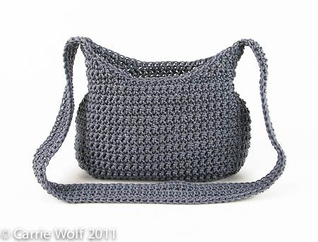 how to add a zipper & a lining to a crocheted purse