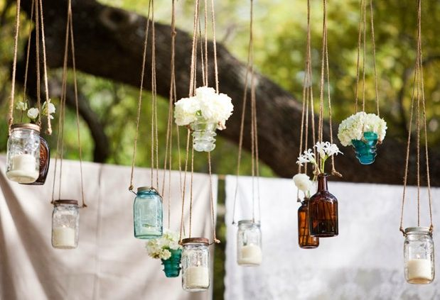 .: Decor, Glasses, Wedding Ideas, Outdoor Parties, Hanging Jars, Hanging Mason Jars, Hanging Flower, Bottle, Mason Jars Candles