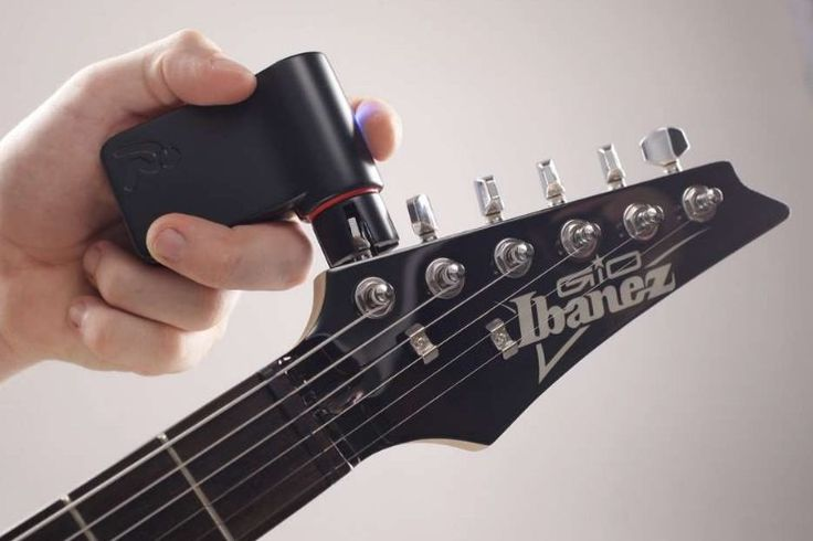 Roadie Automatic Guitar Tuner | Man of Many