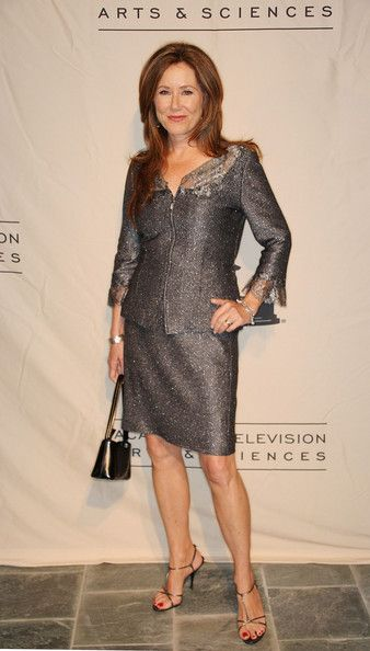 Mary McDonnell - cute suit
